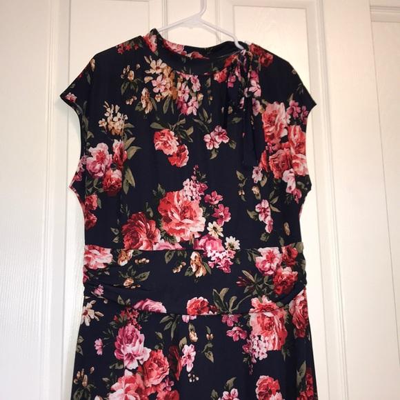 Love Squared Dresses & Skirts - Plus Size floral print dress